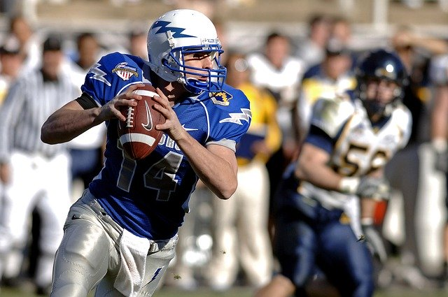 quarterback-american-football-sport