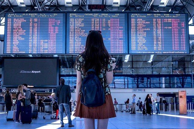 airport-transport-woman